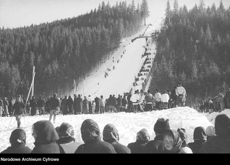 Obiekt Huculi przy skoczni narciarskiej w Worochcie. z jednostki Huculskie typy ludowe
