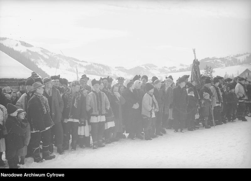 Obiekt Żabie-Ilcia - Huculi na mecie zawodów narciarskich. z jednostki Huculskie typy ludowe