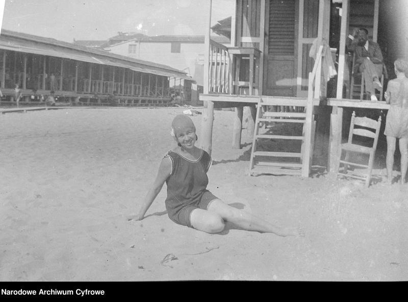 """Obraz 5 z jednostki """"Wypoczynek rodziny Lis-Olszewskich na plaży w Viareggio"""""""