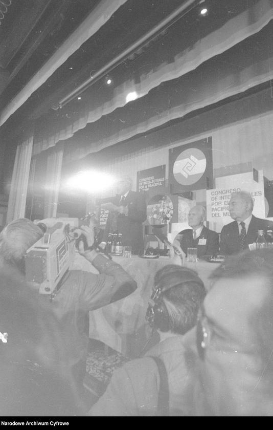 """Obraz 10 z jednostki """"Kongres Intelektualistów w Obronie Pokojowej Przyszłości Świata w Hotelu Victoria w Warszawie"""""""