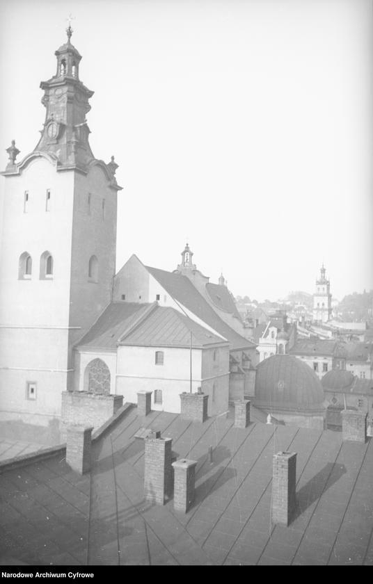 Obiekt Panorama miasta. Widoczna wieża kościoła Wniebowzięcia Najświętszej Marii Panny. z jednostki Lwów