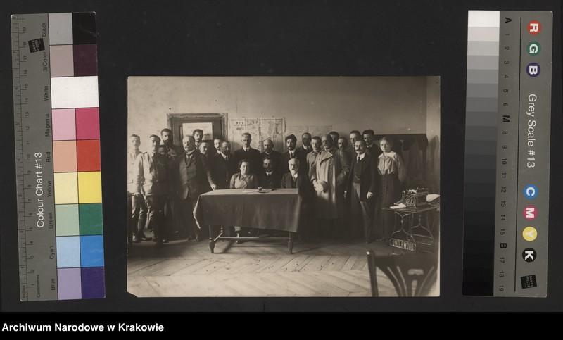 """Obraz 11 z jednostki """"Fotografie legionowe, członków i pracowników NKN, Powiatowych Komitetów Narodowych, Kół Ligi Kobiet, itp."""""""