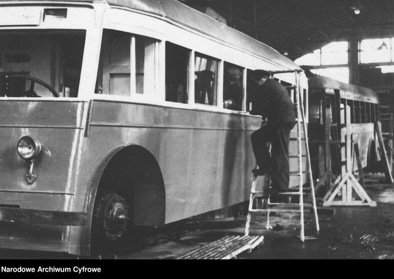 """Obraz 6 z jednostki """"Zajezdnia dla trolejbusów francuskich i radzieckich przy ulicy Myśliwieckiej w Warszawie"""""""