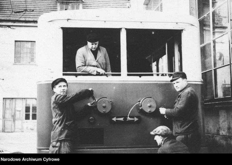 """Obraz 5 z jednostki """"Zajezdnia dla trolejbusów francuskich i radzieckich przy ulicy Myśliwieckiej w Warszawie"""""""