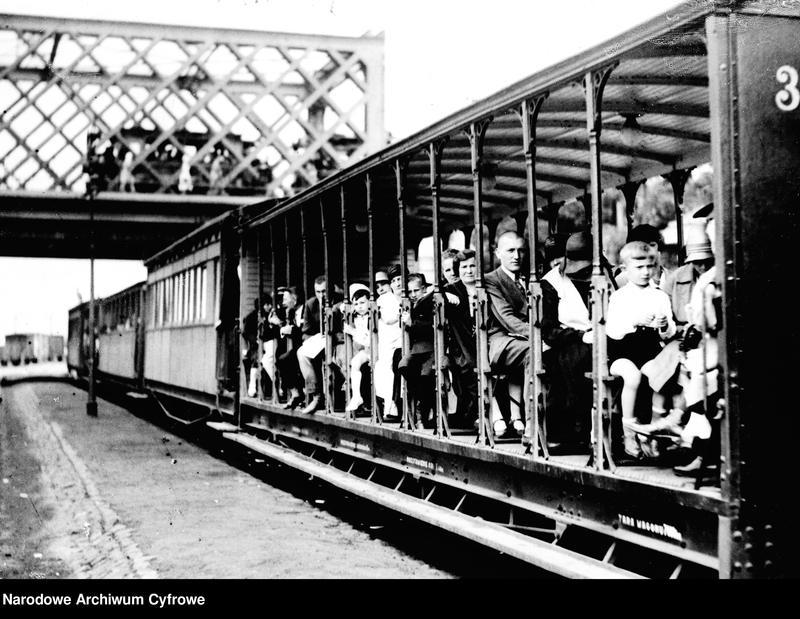 """Obraz 4 z kolekcji """"Jedzie pociąg z daleka"""""""