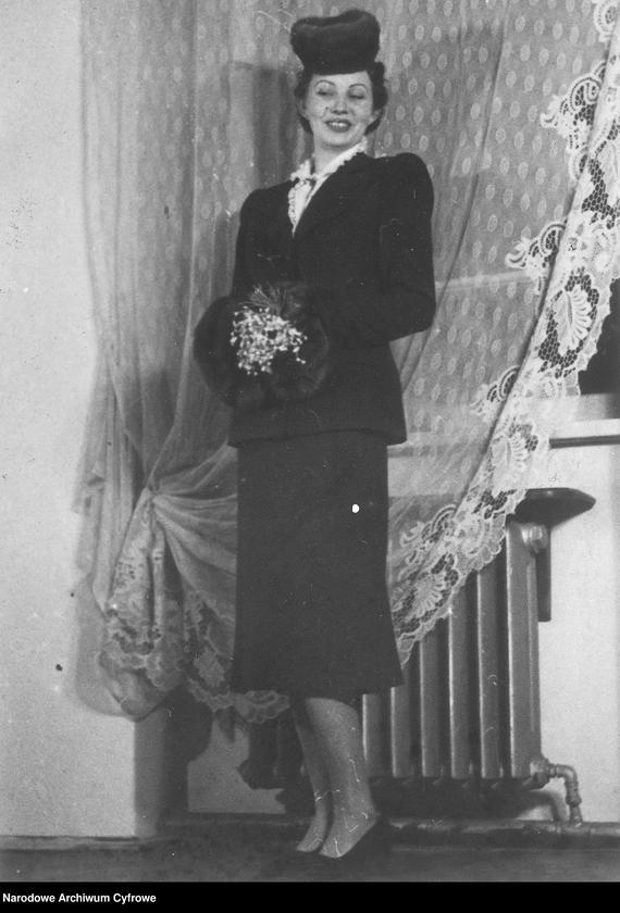 """Obraz 9 z kolekcji """"Moda damska lata 1940"""""""