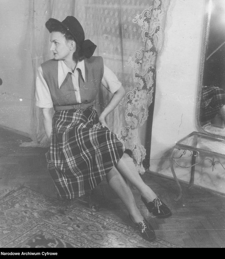 """Obraz 15 z kolekcji """"Moda damska lata 1940"""""""