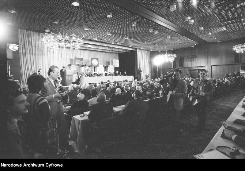 """Obraz z jednostki """"Kongres Intelektualistów w Obronie Pokojowej Przyszłości Świata w Hotelu Victoria w Warszawie"""""""