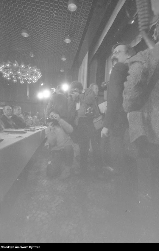 """Obraz 13 z jednostki """"Kongres Intelektualistów w Obronie Pokojowej Przyszłości Świata w Hotelu Victoria w Warszawie"""""""