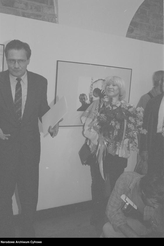 """Obraz 10 z jednostki """"Jubileusz Edwarda Hartwiga w Małej Galerii ZPAF w Warszawie. Wernisaż wystawy prac Katarzyny Fortuny. Andrzej Świetlik i Wojciech Tuszko. Wernisaż wystawy prac Samuela Skierskiego w Galerii Krytyków """"Pokaz"""""""""""