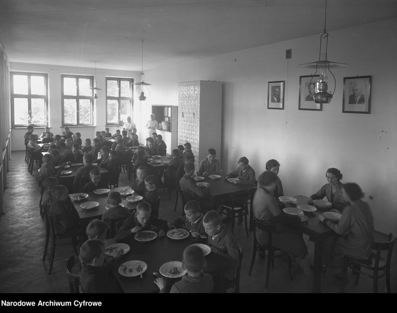 """Obraz 8 z jednostki """"Kolonie letnie w Domu dla Dzieci Powiatu Krakowskiego w Radziszowie"""""""