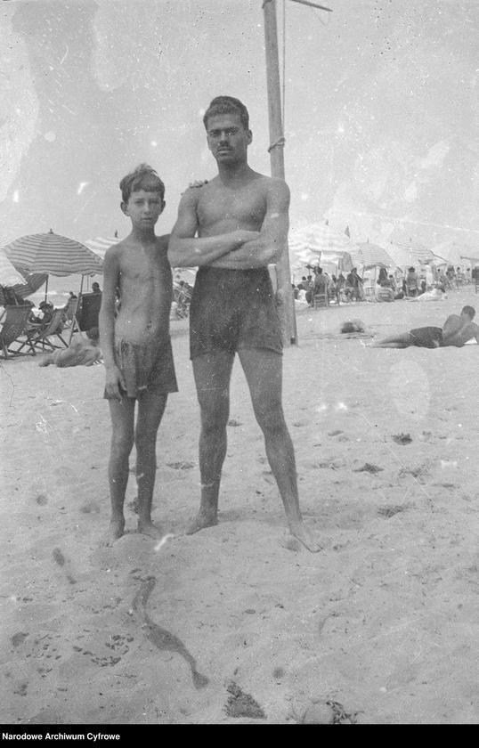 """Obraz 1 z jednostki """"Wypoczynek rodziny Lis-Olszewskich na plaży w Viareggio"""""""