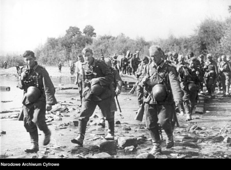 """Obraz 2 z jednostki """"Przeprawa piechoty niemieckiej przez rzekę"""""""