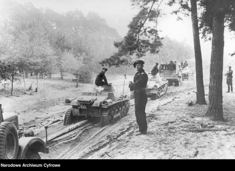 """Obraz 2 z jednostki """"Pułk czołgów niemieckich na leśnej drodze"""""""