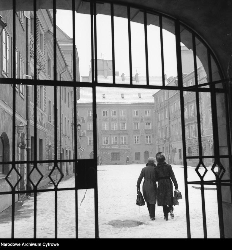 """Obraz 13 z kolekcji """"Zima w mieście"""""""