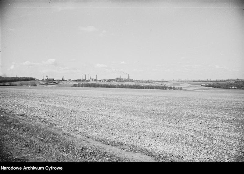 Obiekt Ogólny widok na zabudowania przemysłowe z szosy do Katowic. z jednostki Krajobraz śląski