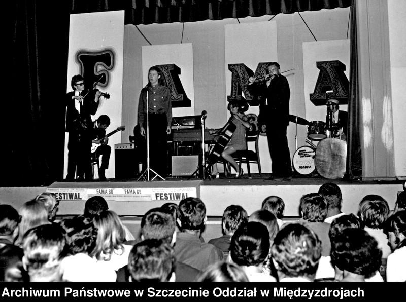 """Obraz z jednostki """"Restauracja Albatros podczas FAMY w 1968 r."""""""
