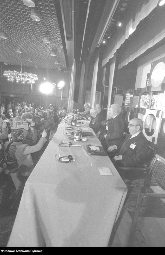 """Obraz 3 z jednostki """"Kongres Intelektualistów w Obronie Pokojowej Przyszłości Świata w Hotelu Victoria w Warszawie"""""""