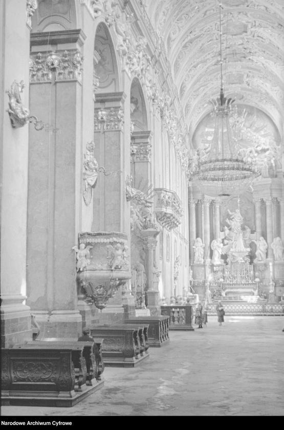 Obiekt Klasztor Jasna Góra - nawa główna. z jednostki Częstochowa