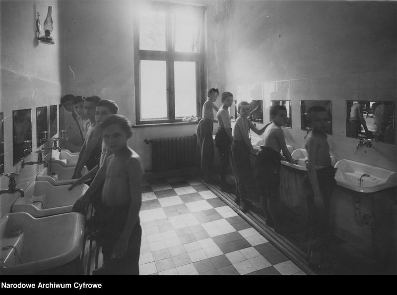 """Obraz 5 z jednostki """"Kolonie letnie w Domu dla Dzieci Powiatu Krakowskiego w Radziszowie"""""""