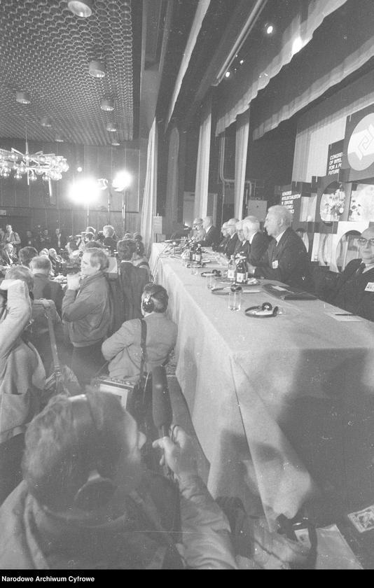 """Obraz 6 z jednostki """"Kongres Intelektualistów w Obronie Pokojowej Przyszłości Świata w Hotelu Victoria w Warszawie"""""""