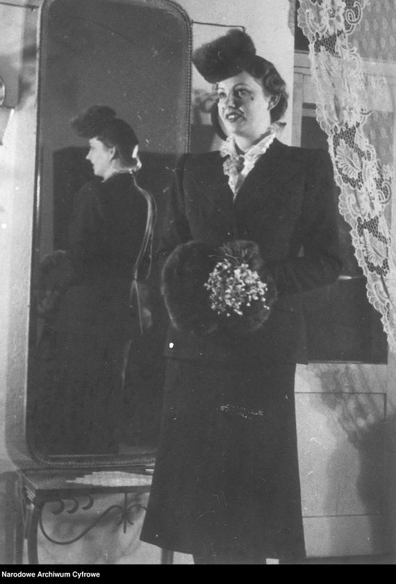 """Obraz 11 z kolekcji """"Moda damska lata 1940"""""""
