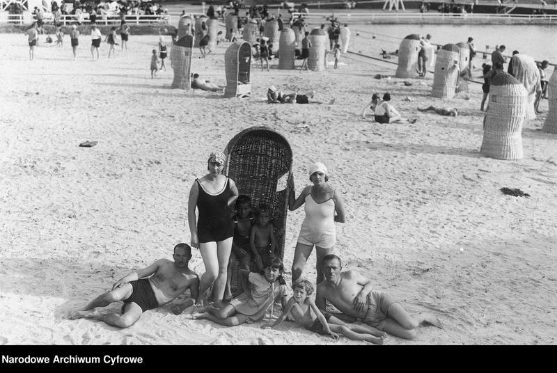 """Obraz 10 z kolekcji """"Przedwojennej plaży czar"""""""
