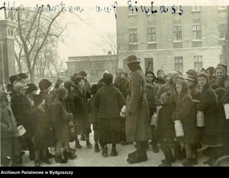 """Obraz 10 z kolekcji """"Wojna i okupacja hitlerowska w Bydgoszczy"""""""