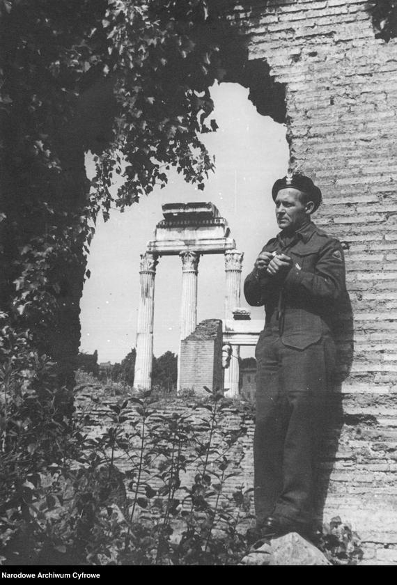 """image.from.unit """"Tadeusz Szumański na Forum Romanum w Rzymie"""""""