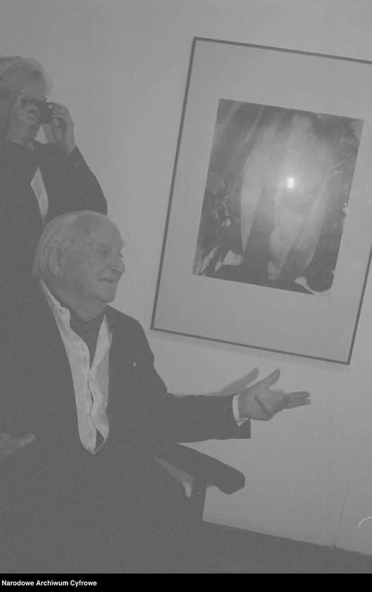 """Obraz 2 z jednostki """"Jubileusz Edwarda Hartwiga w Małej Galerii ZPAF w Warszawie. Wernisaż wystawy prac Katarzyny Fortuny. Andrzej Świetlik i Wojciech Tuszko. Wernisaż wystawy prac Samuela Skierskiego w Galerii Krytyków """"Pokaz"""""""""""