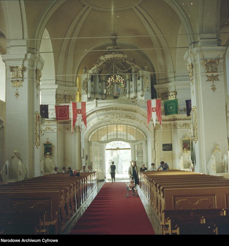 """Obraz 5 z jednostki """"Uroczystości odpustowe w kościele Narodzenia Najświętszej Maryi Panny w Biechowie"""""""