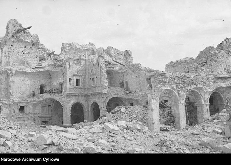 """Obraz 14 z jednostki """"Pobojowisko po bitwie o Monte Cassino - zniszczenia, jeńcy i chowanie poległych"""""""