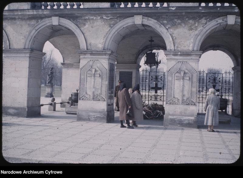 """Obraz z jednostki """"Widoki Warszawy na trasie: plac Zwycięstwa - Krakowskie Przedmieście"""""""
