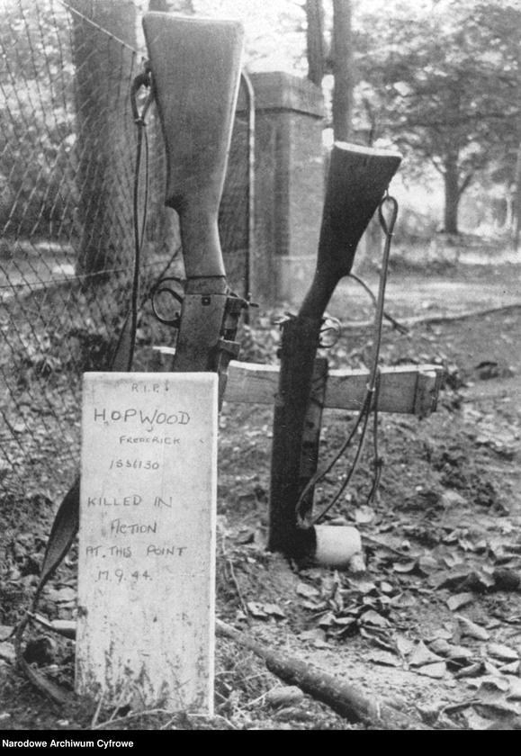 """Obraz 1 z jednostki """"Groby brytyjskich spadochroniarzy w Holandii"""""""