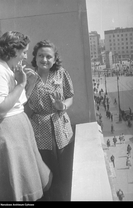 """Obraz 3 z kolekcji """"Moda damska lata 1940"""""""