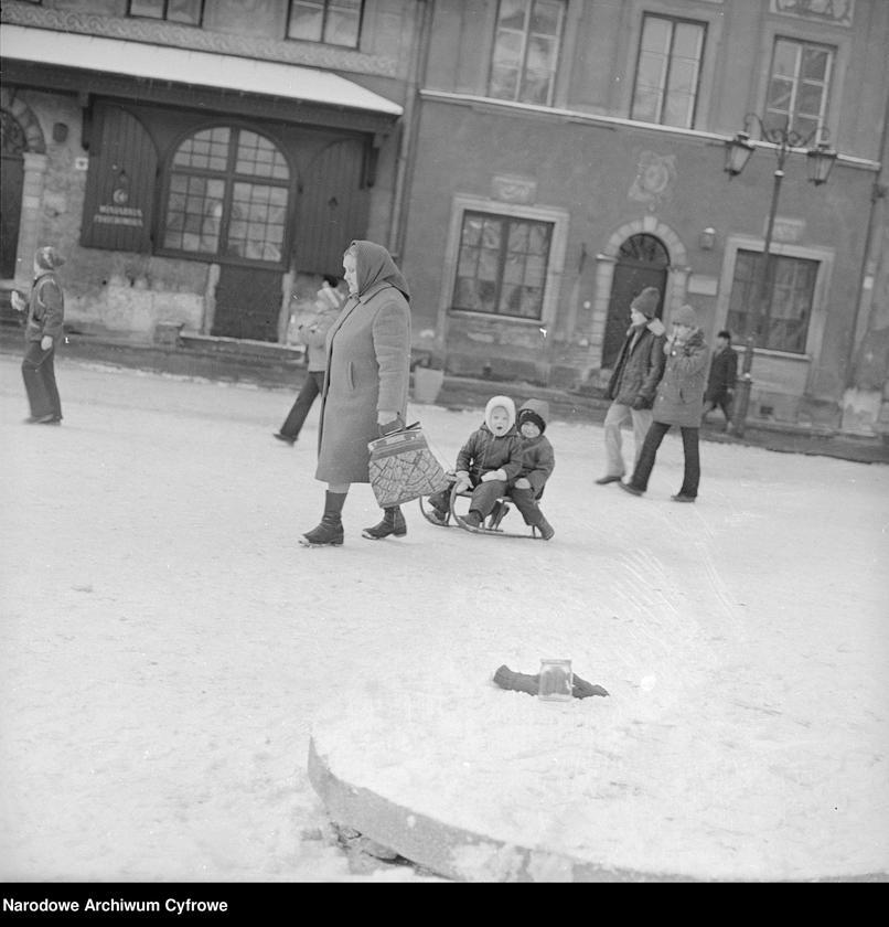 """Obraz 15 z kolekcji """"Zima w mieście"""""""