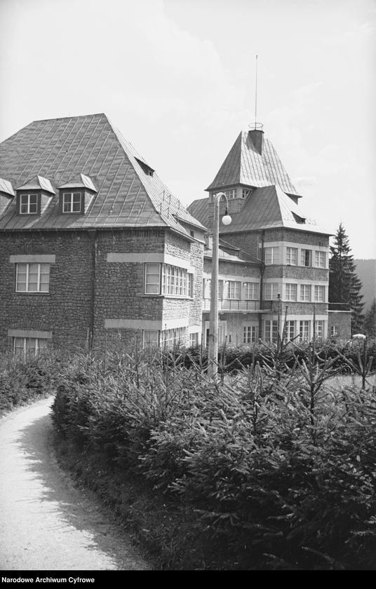 Obiekt Zamek prezydencki - widok zewnętrzny. z jednostki Wisła