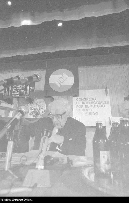 """Obraz 16 z jednostki """"Kongres Intelektualistów w Obronie Pokojowej Przyszłości Świata w Hotelu Victoria w Warszawie"""""""