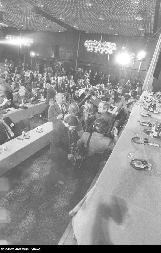 """Obraz 8 z jednostki """"Kongres Intelektualistów w Obronie Pokojowej Przyszłości Świata w Hotelu Victoria w Warszawie"""""""