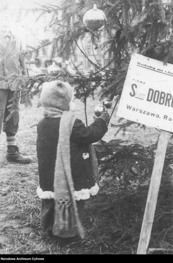 """Obraz 6 z jednostki """"Życie na ulicach Warszawy"""""""