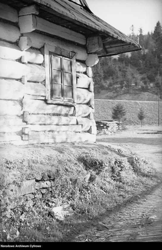 Obiekt Fragment drewnianego domu. z jednostki Wisła