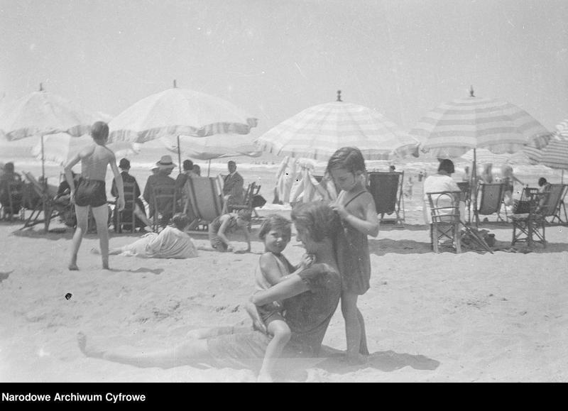 """Obraz 14 z jednostki """"Wypoczynek rodziny Lis-Olszewskich na plaży w Viareggio"""""""
